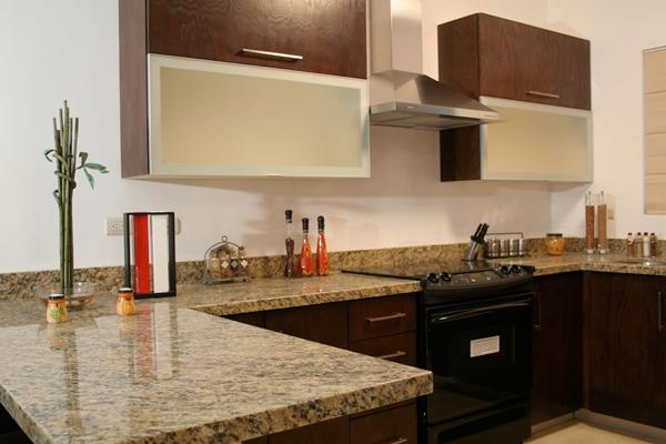 Cubiertas de granito y marmol instalacion de cubiertas en - Colores de granito para cocinas ...